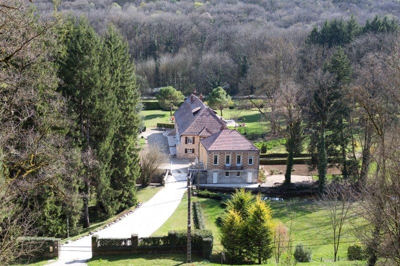 Gîte Moulin de la Serrée, location de vacances à La Bussière-sur-Ouche