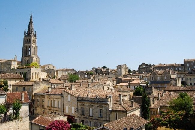 The beautiful Saint Émilion, a world UNESCO site with plenty of superb restaurants and bars