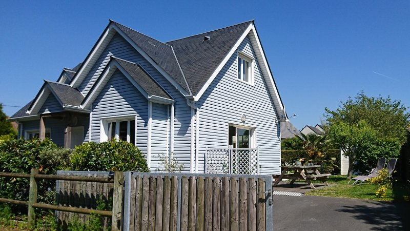 "The cottage ""sea and sun"", 3 bedrooms, one on the ground floor."