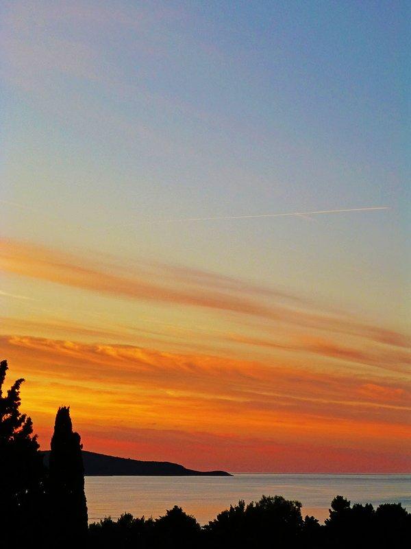 Vue sur la mer, le coucher du soleil