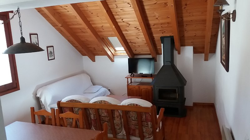Apartamento Esterri, vacation rental in Llavorsi