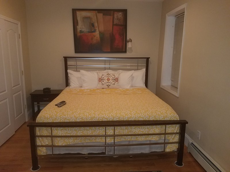 Master bedroom sleeps 2  with 50in HDTV AC