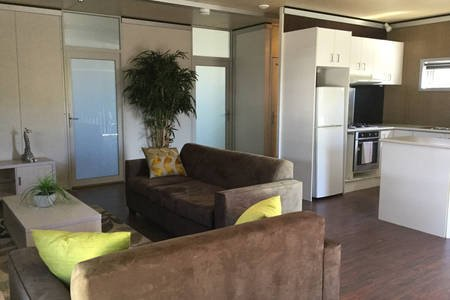 Urban Edge Apartments, vacation rental in Harcourt