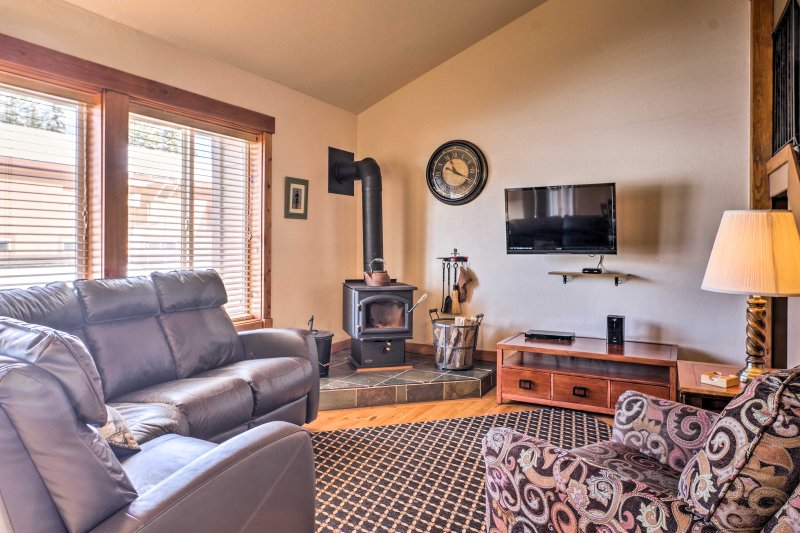 Take a hiatus from everyday life in this 3-bedroom, 2-bathroom vacation rental condo in McCall.