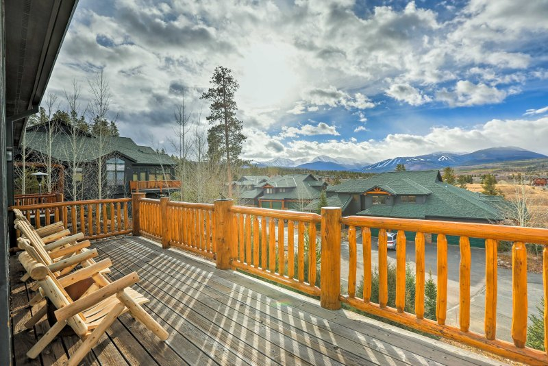 """Photos simply don't capture the spectacular views of the Continental Divide, Winter Park Ski Resort, and the Fraser Valley from this 4-bedroom, 4.5-bathroom townhouse."""""""