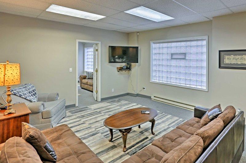 Explorez Cleveland depuis cet appartement en location de vacances avec 3 chambres et 2 salles de bains.