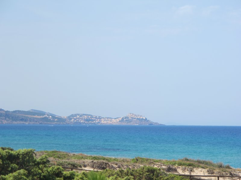 New property on the beach, holiday rental in Badesi