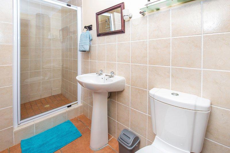 Dormitorio 2 cuarto de baño con ducha