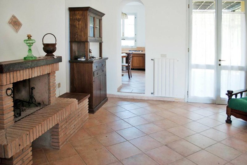 Collealberti, holiday rental in Lorenzana