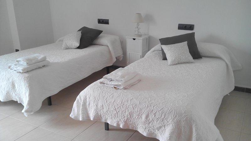 Schlafzimmer 1 mit Schlafsofa