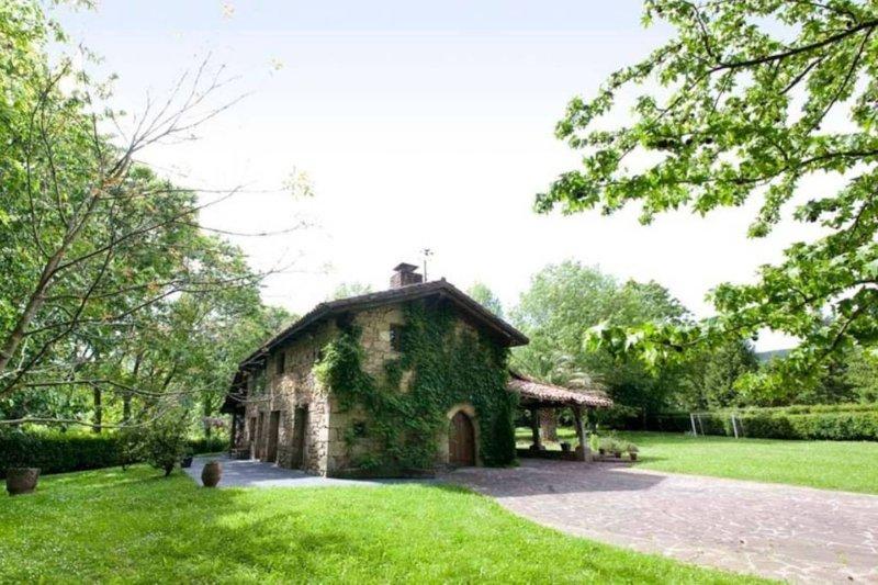 Villa Augusta, holiday rental in Oiartzun