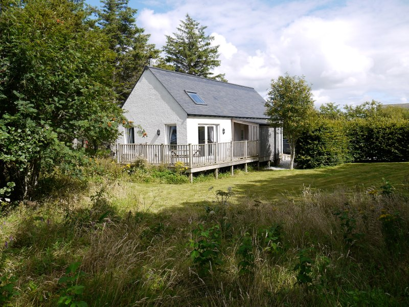 Blossom Folly - Luxury Self Catering Cottage, Ferienwohnung in Dunvegan
