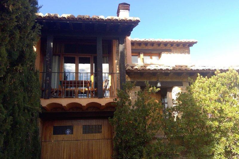 Magnifica casa con jardín., holiday rental in Rubielos de Mora
