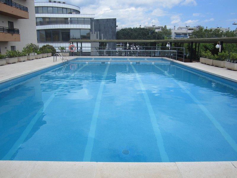 Bonito apartamento en Playa de Aro centro con Piscina, vacation rental in Castell-Platja d'Aro