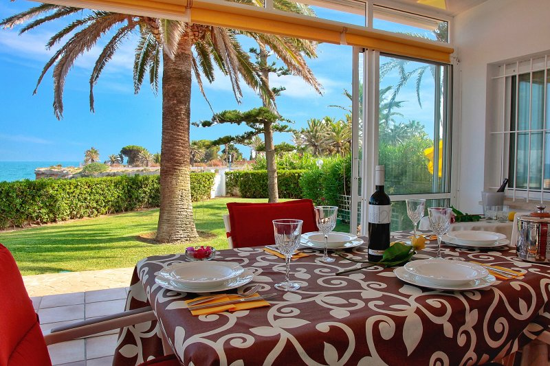 Casa a primera linea de mar, holiday rental in Alcanar