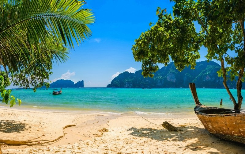 YOUR DREAM VACATION STARTS HERE ! SEE MORE INSIDE.., holiday rental in Patong