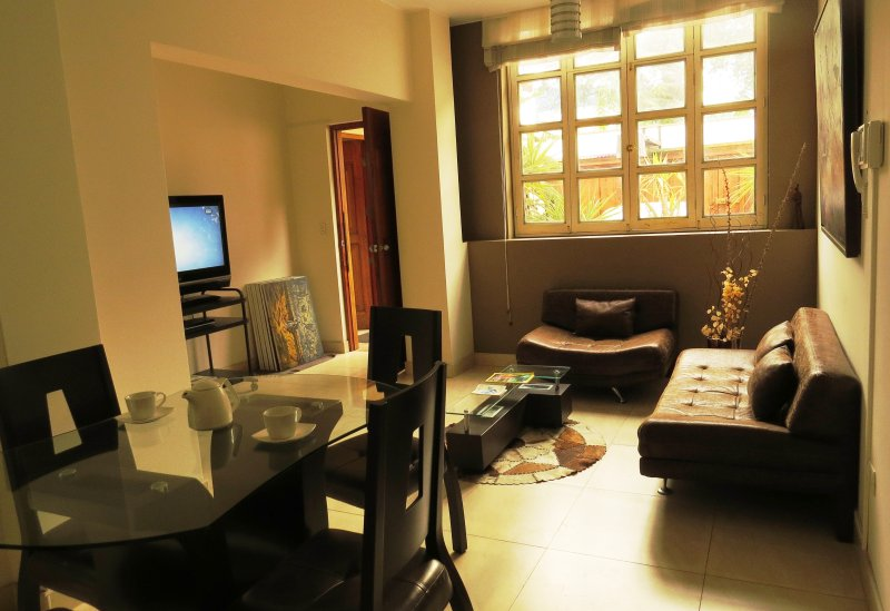 Aparts 4 Days, holiday rental in Lince