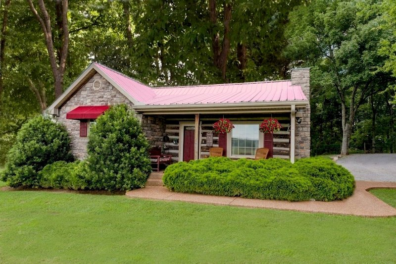 Uncle Pete's Cabin -1 Bed Adult Property, WiFi, W/D, Jacuzzi, No Cleaning Fee !, location de vacances à Nashville