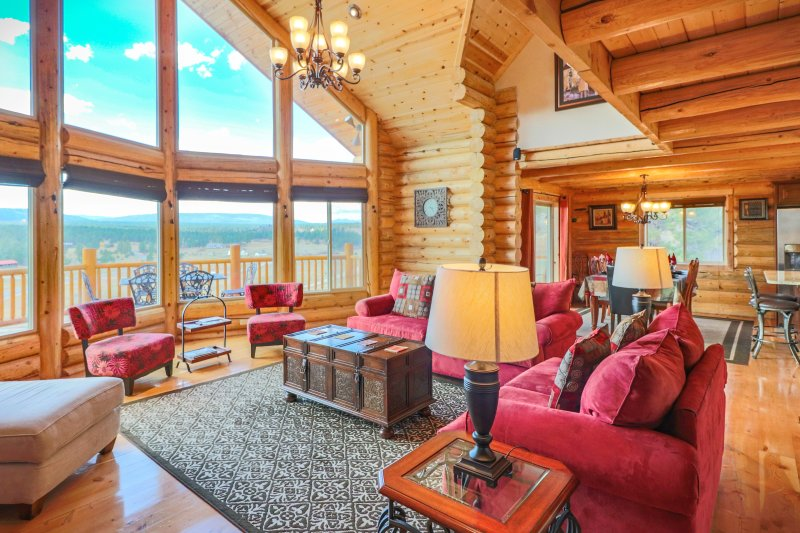 Luxury Lodge Cabin, Private Suites, Panoramic Mountain Views! FALL SPECIALS, vacation rental in Pagosa Springs