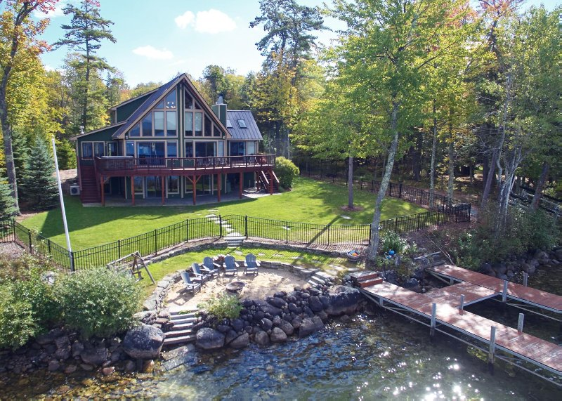 Lake Winni - WF - 475, vacation rental in Moultonborough