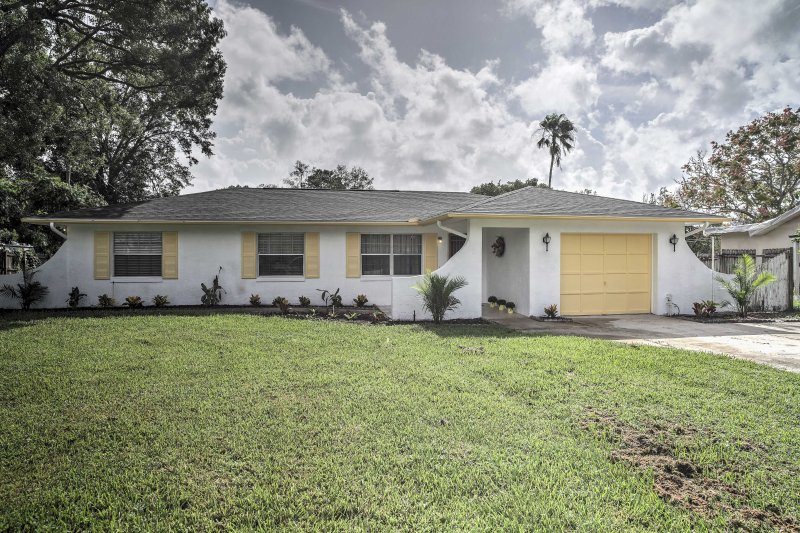 This 4-bedroom, 2-bathroom vacation rental house is ideal for a memorable family getaway, with comfortable accommodations for the kids and grandparents!