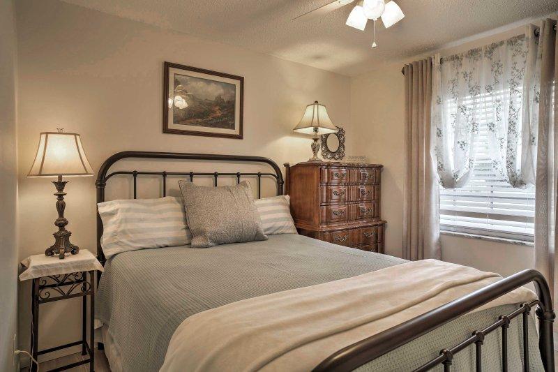 La dernière chambre offre également un confortable lit queen-size.