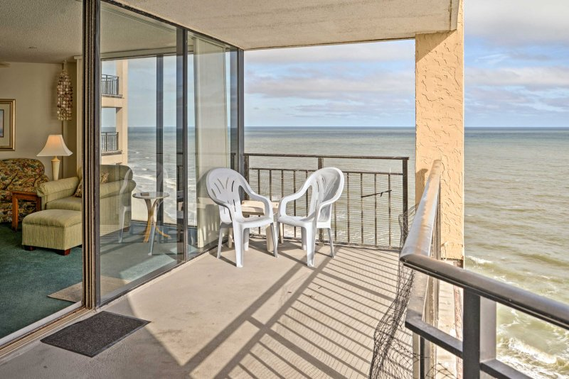 Hang loose on the shores of South Carolina when you stay at this 3-bedroom, 3-bathroom vacation rental condo in Murrells Inlet!