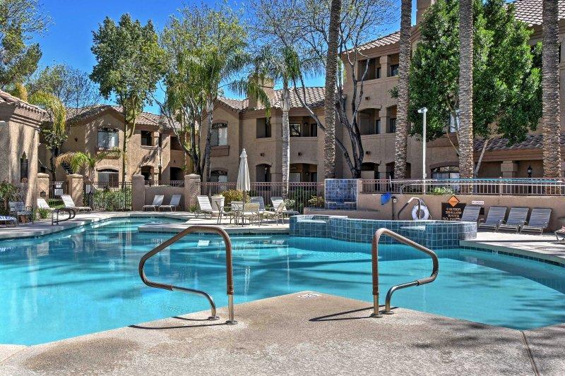 Scoprite Scottsdale in questo condominio per le vacanze con 2 letti e 1 bagno.