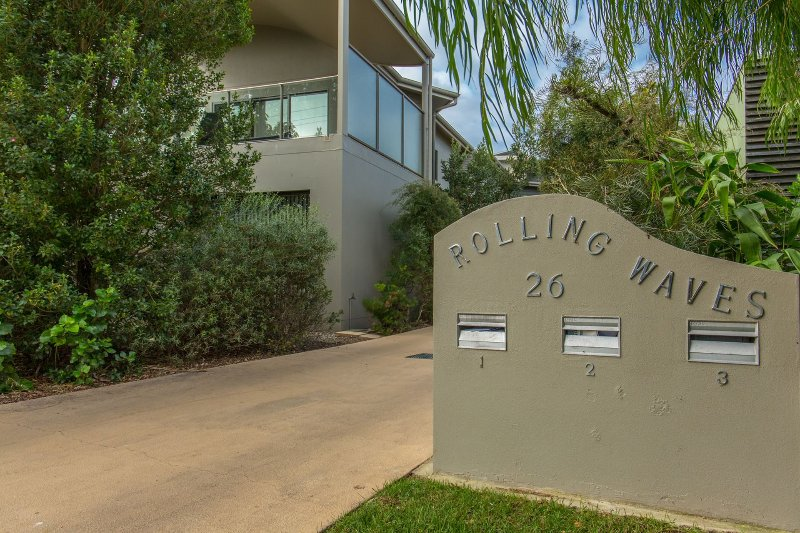 'Rolling Waves 2' on Ocean Drive, vacation rental in Merimbula