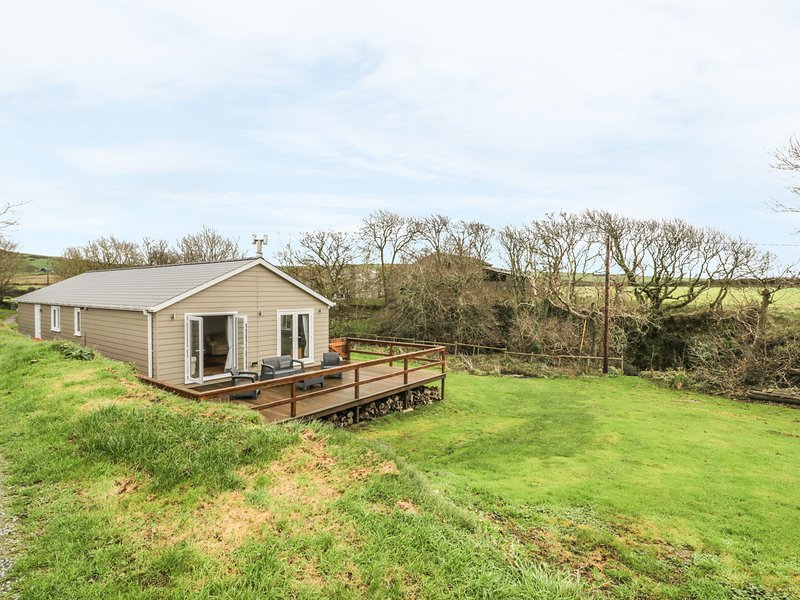 NANT Y FELIN LODGE, WIFI, woodburning stove, decking, Ref 967064, location de vacances à Aberdaron