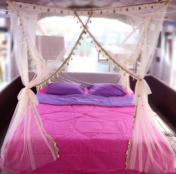 Klotok live aboard in Tanjung Puting National Park, holiday rental in Central Kalimantan
