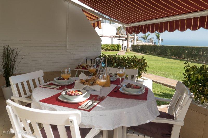 Precioso apartamento en 1ª linea de playa, location de vacances à San Agustin