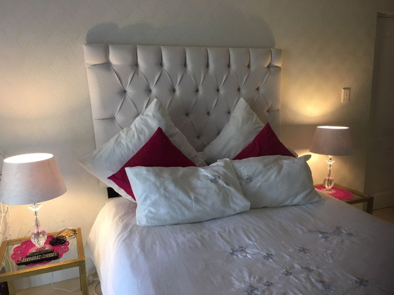 15 I on Kezker Luxury Double En-Suite Room, holiday rental in Bishopscourt