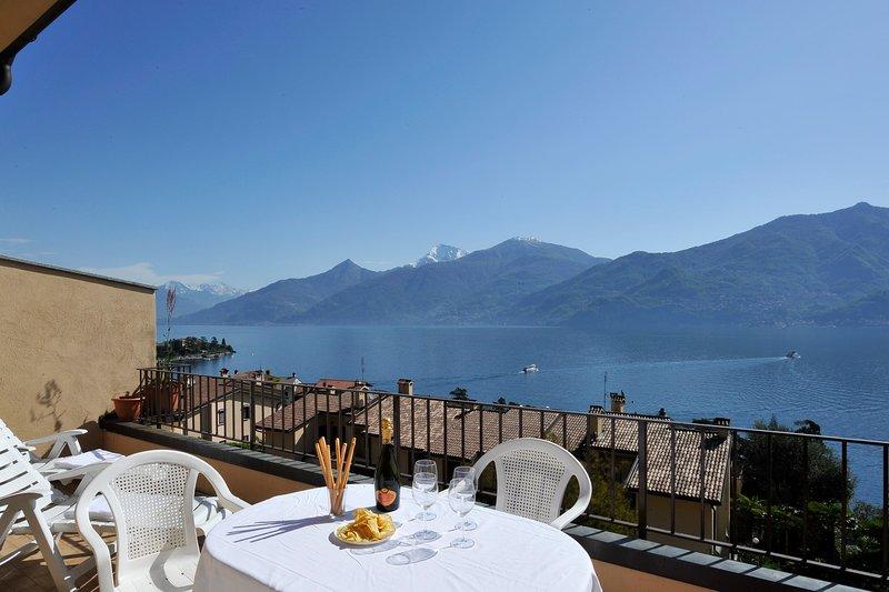 terraza privada con bonitas vistas sobre el lago