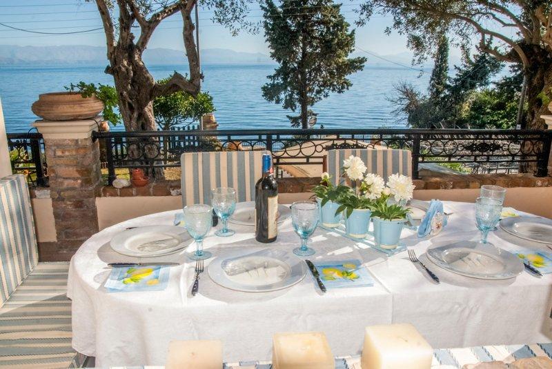 Gastouri Villa Sleeps 6 with Air Con, holiday rental in Achilleio