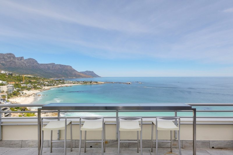 Clifton Apartment Sleeps 6 with Air Con - 5400366, location de vacances à Bantry Bay