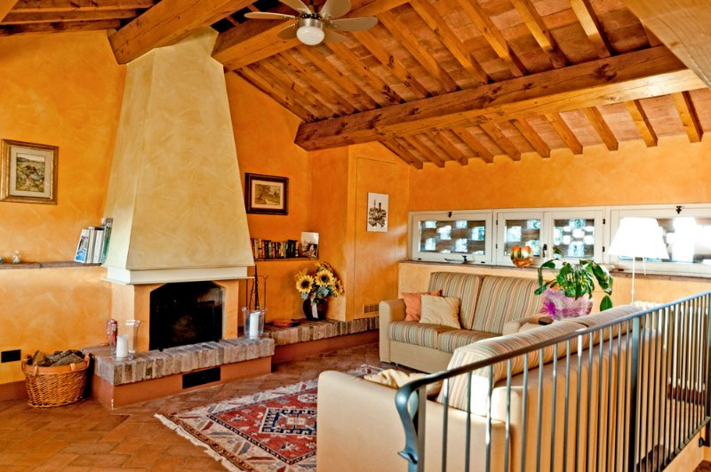 Sammontana Villa Sleeps 6 with Pool - 5390547, holiday rental in Sammontana