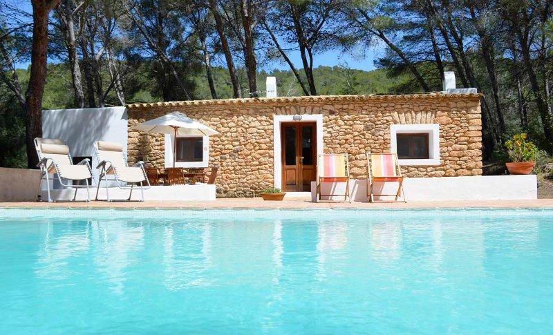 Cozy house with pool in a quiet area close to Santa Gertrudis village -ET-0573-E, alquiler vacacional en Santa Gertrudis