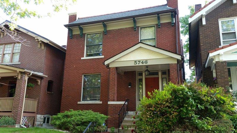 Historic Brick Home By Forest Park / Wash U., aluguéis de temporada em Saint Charles