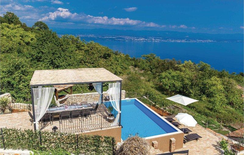 Amazing home in Moscenicka Draga with WiFi and 5 Bedrooms (CKO566), alquiler de vacaciones en Moscenicka Draga