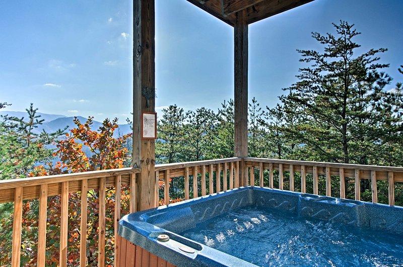Sumergirse en la bañera caliente mientras disfrutando de la privacidad de esta hermosa casa, idílico!