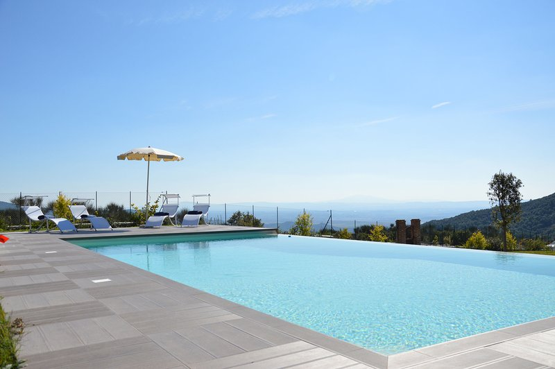 Gambaroncia Villa Sleeps 8 with Pool Air Con and WiFi - 5242128, vacation rental in Pieve di Chio