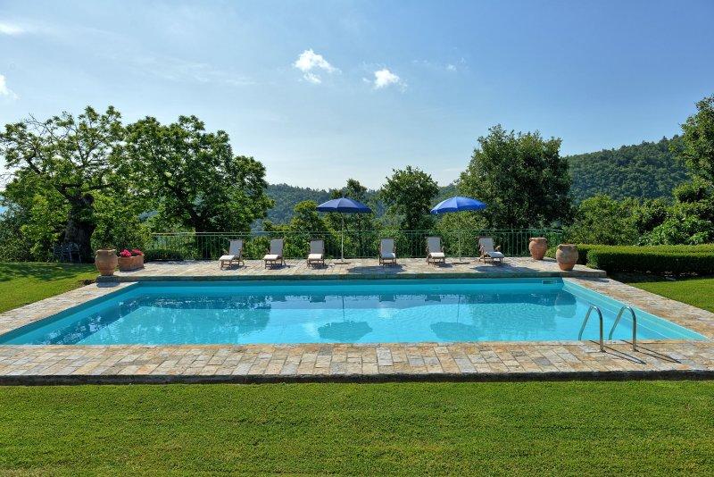 Felcino Nero Villa Sleeps 8 with Pool - 5241946, holiday rental in Citerna