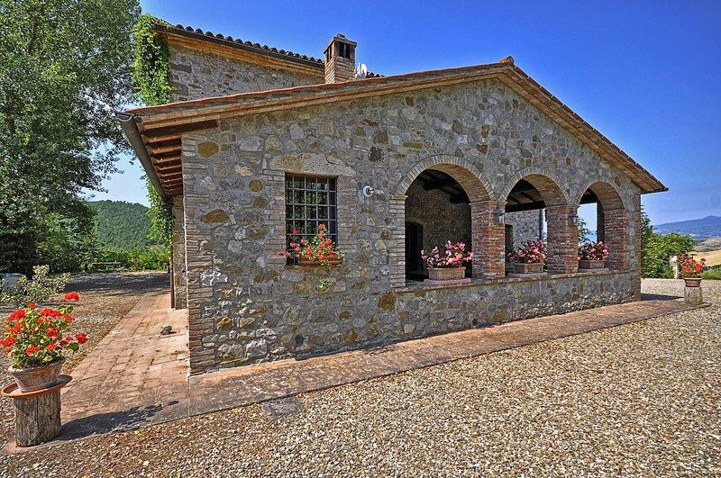 San Pietro Villa Sleeps 12 with Pool - 5241820, vacation rental in Trevinano