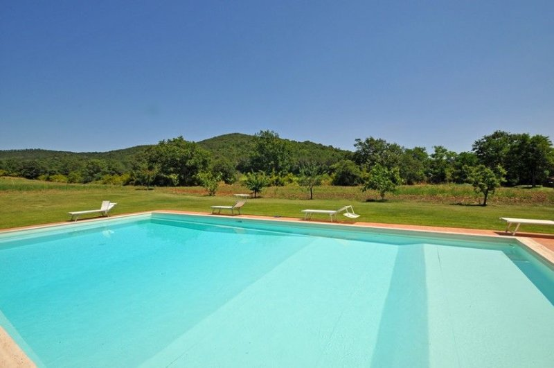 Marsiliana Apartment Sleeps 6 with Pool - 5241776, Ferienwohnung in Manciano