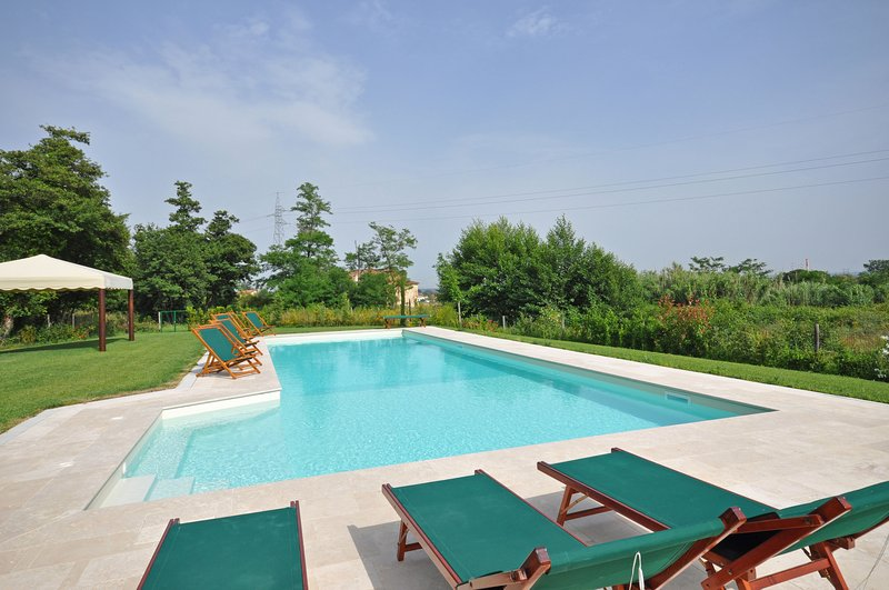 Borgonuovo Villa Sleeps 17 with Pool and Air Con - 5241657, holiday rental in Galleno