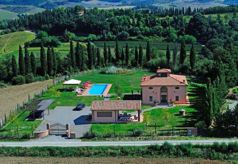 Monte Lopio Villa Sleeps 11 with Pool Air Con and WiFi - 5241430, Ferienwohnung in Montelopio