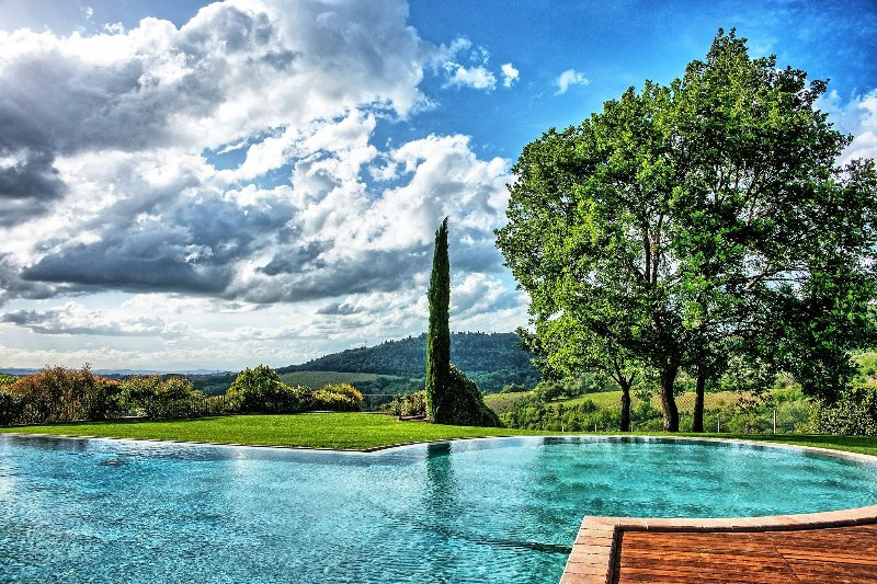 Pastine Villa Sleeps 16 with Pool Air Con and WiFi - 5241404, holiday rental in Petrognano