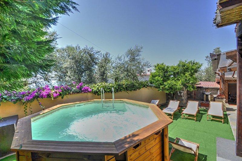 Sorrento Villa Sleeps 6 with Pool Air Con and WiFi - 5229134, vacation rental in Marina di Puolo