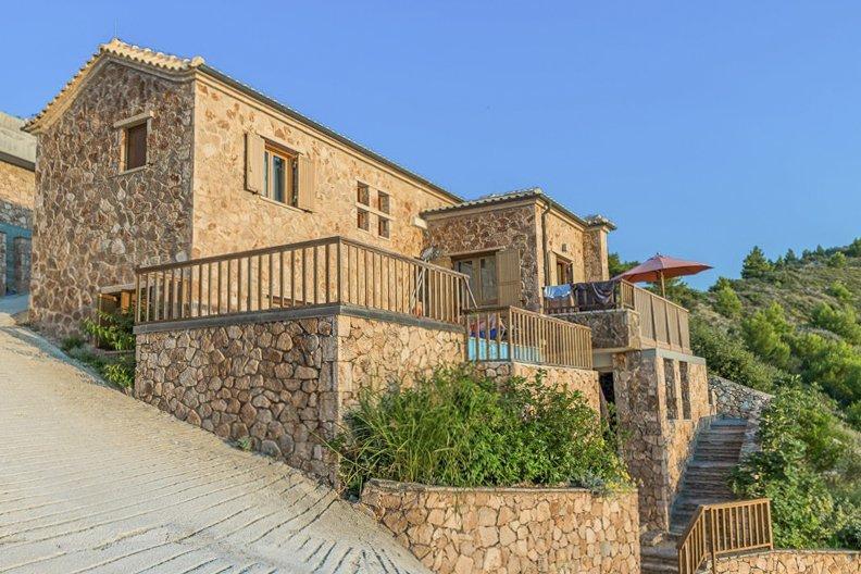 Agios Nikitas Villa Sleeps 6 with Pool - 5229684, vacation rental in Exanthia